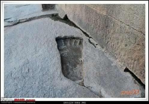 Giant footprint - lepakshi temple India 02