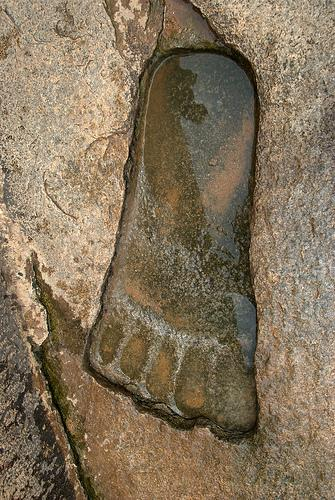 Giant footprint - lepakshi temple India 04